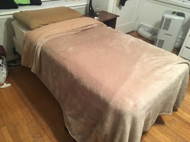Single Bed/shared room - Philadelphia - Haus