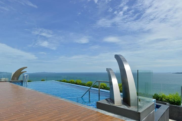 Studio with Sea View Best Pattaya Location
