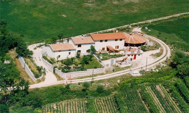 Agriturismo Farmhouse La Mandra - Morino L'Aquila  - Bed & Breakfast