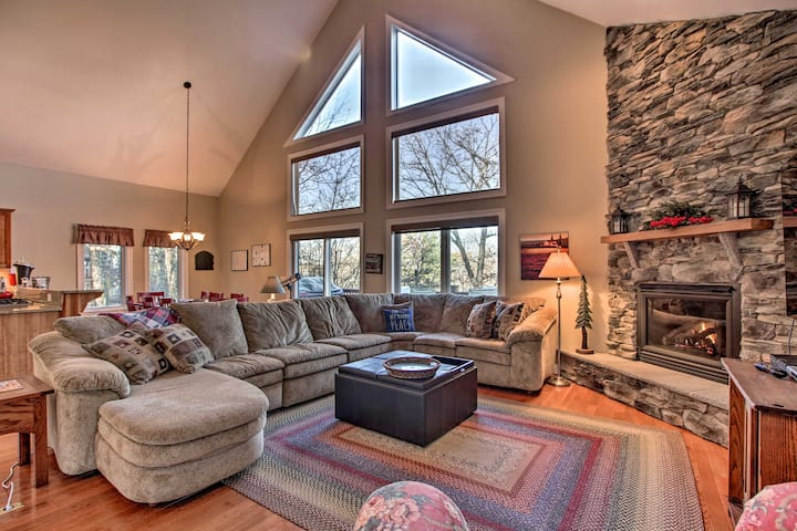 Blue Ridge Home with Mtn Views & On-Site Skiing!