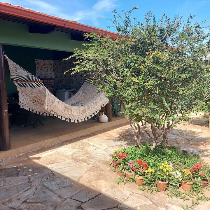 Suíte ampla em casa confortável.1km Centro de Piri