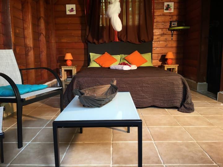 1 bungalow  en bois type chalet