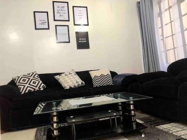 Cozy, Well Furnished 1 bedroom | Easily accessible