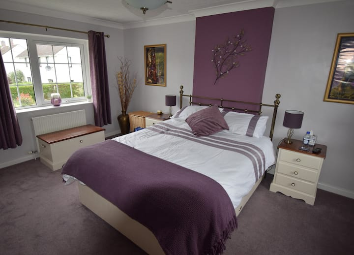 Wyvis Guest House - Deluxe King-size Bedroom