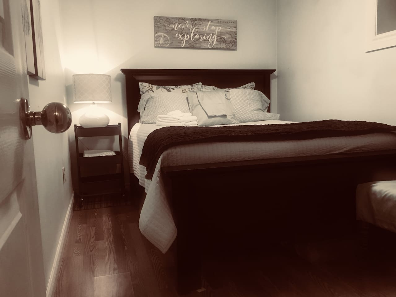 Queen bed is comfy as can be with high quality sheets and bedding.  Closet in room.