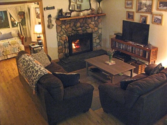 St. Mary's Glacier lakeside condo - Idaho Springs - Wohnung