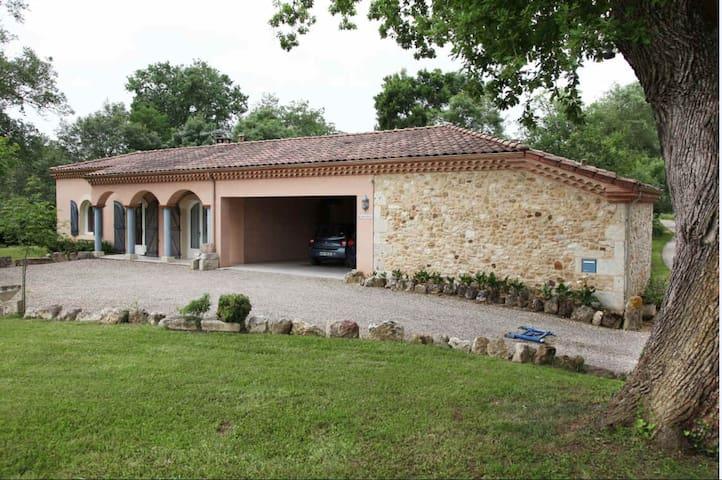Maison dans la campagne gersoise - Lagraulet-du-Gers