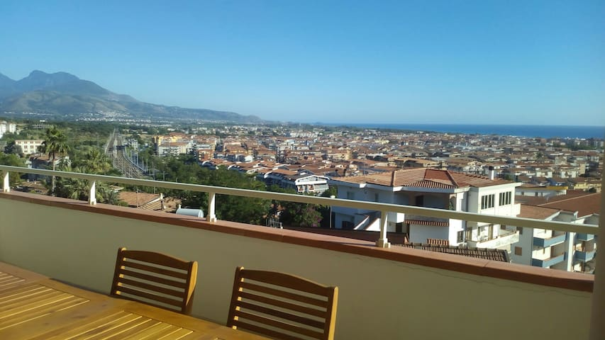 "Villa ""JULIA"" con vista 150 m2"