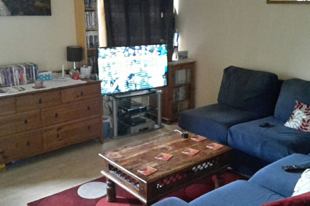 """Living Room with 42"""" Smart TV"""