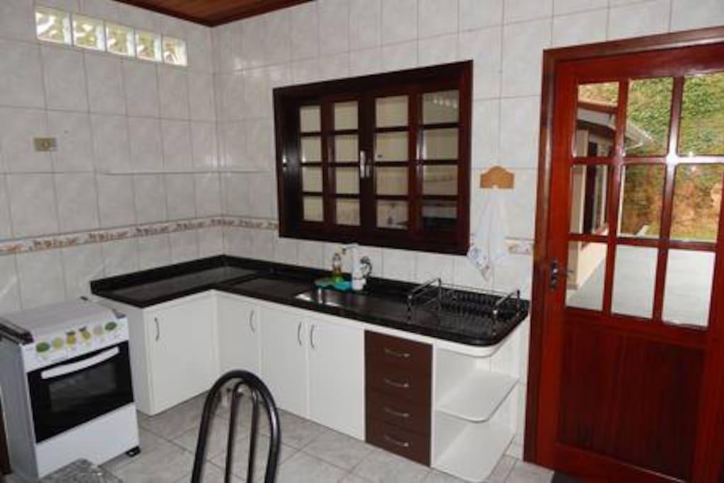 Cozinha com utensílios de uso