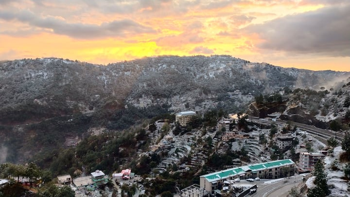 Divine View I By Kasauli Dagshai Shimla I HomeStay