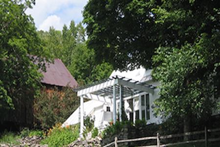 Pond House Inn at Shattuck Hill Farm - Reading