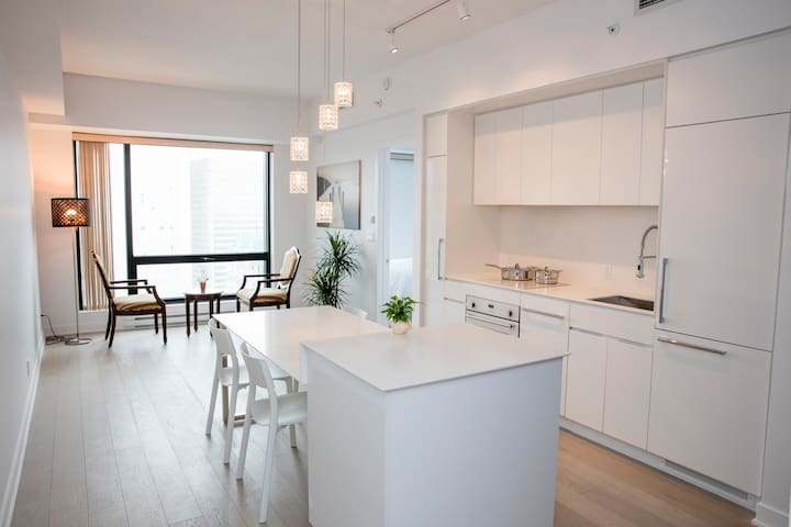 New Luxury Apartment In downtown TOURS DE CANADIEN - Montreal - Apto. en complejo residencial