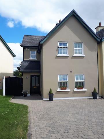 MALLOW modern home