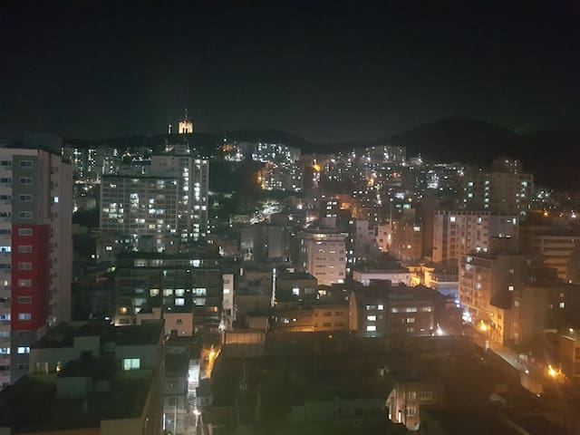 Night view of the Hill town in the room. My house is not a hill town .. ^^ 룸에서 보이는 언덕의 야경입니다~