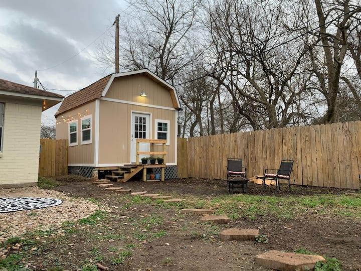 Backyard Tiny House in Houston Tx!