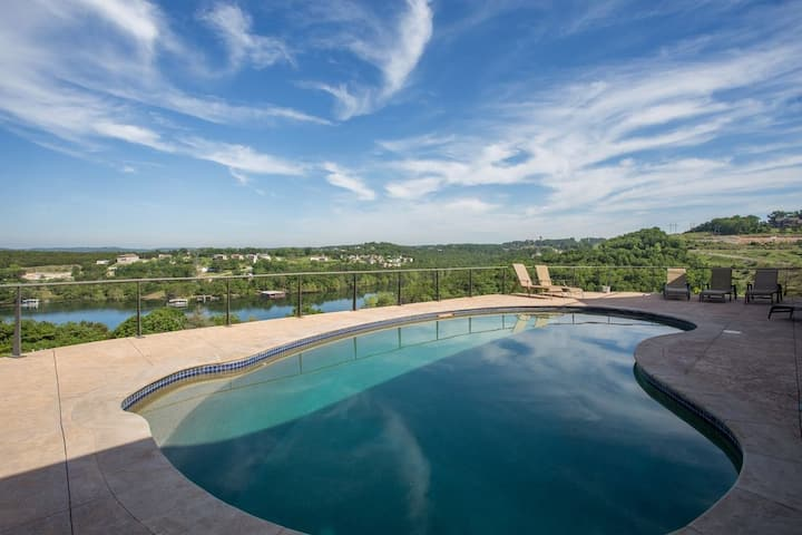 Majestic Overlook, Spectacular Family Home