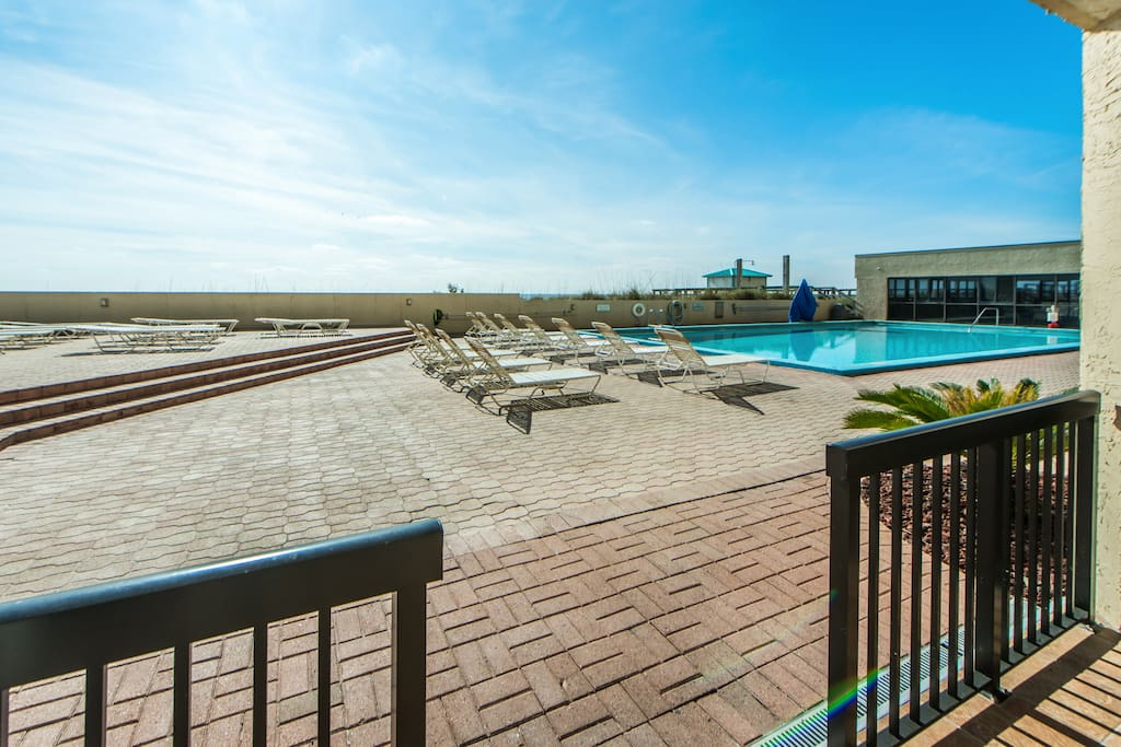 Walk straight out to the pool deck! SunDestin 101
