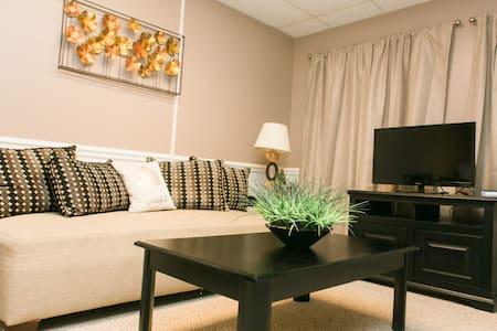 Modern & Spacious 2BR Apartment near Downtown - Detroit - Flat