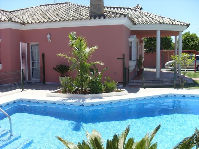 Charmantes Haus mit Meerwasser-Pool - Conil de la Frontera - Hus
