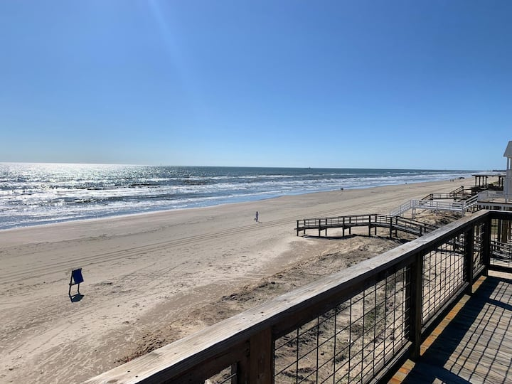 Unobstructed Oceanfront SPECKLED TROUT Unit 5 Beach Pad!