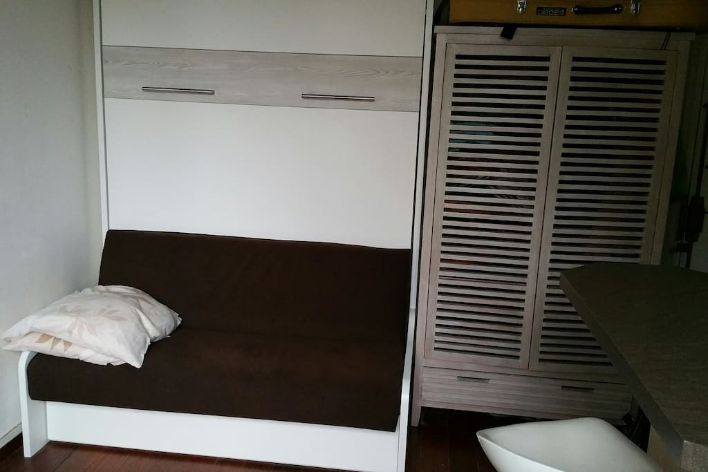 lit-placard double/ Wall double bed