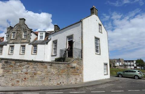 Historic Apartment with Sea Views on Fife Coast
