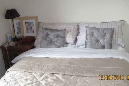 Private Room - Ennis - Bed & Breakfast