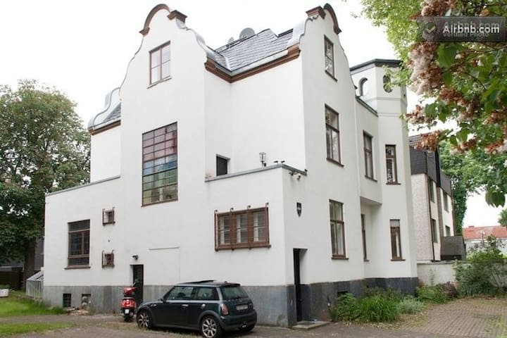 Villa-Cologne . de - coole Location