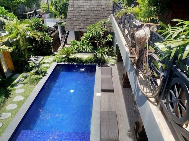 A Perfect Canggu Camp - Balcony and Pool Available