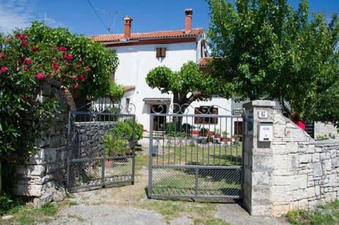 Traditional House with garden near magical Rovinj