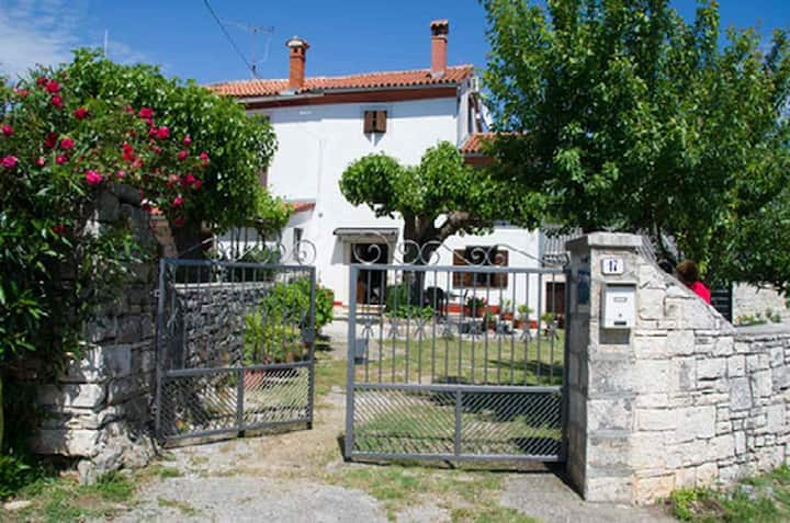 Traditional House with garden near magical Rovinj