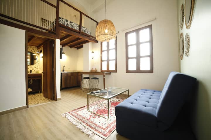 Nice apartament Historic Center with Balcony (403)