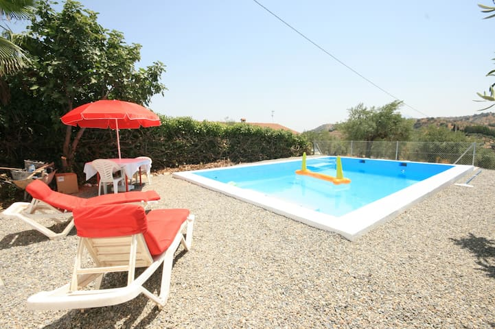 Casa Pilli , with large private pool in Guaro