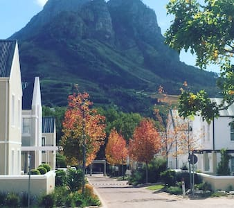 Holiday Gem in World-class Banhoek Valley - Cape Winelands