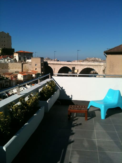 Appart vallon avec terrasse vue mer appartements louer for Location appartement marseille terrasse