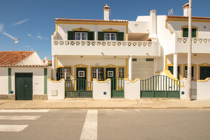 Apartment near the beach Milfontes - Odemira - Leilighet