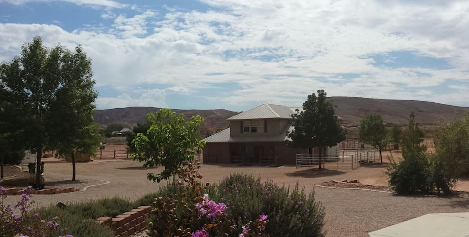 River's Edge Ranch-Entire House, Private..Peaceful - St. George