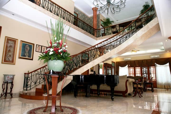 PESONA GUEST HOUSE JAKARTA - DELUXE ROOM 1