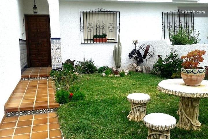 Chalet with garden in the village of Nijar