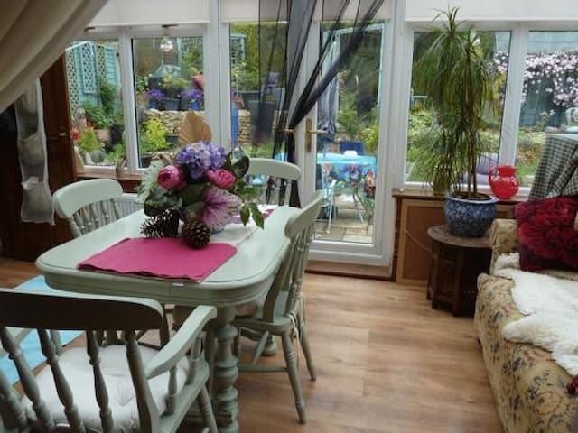 Riad in the Wolds - Double Room - Brookenby - Bed & Breakfast