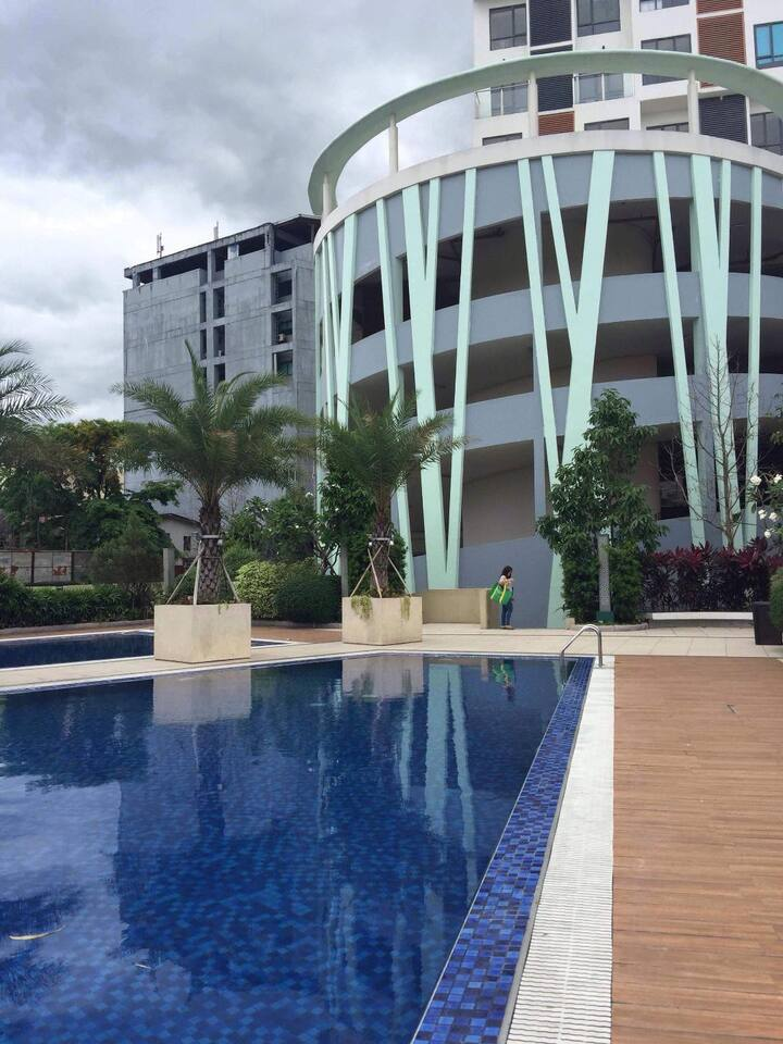 spacious 2 bedroom condo unit furnished.Ideal site