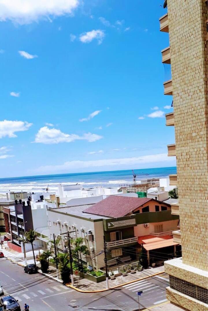 Ótimo Apartamento no Centro com vista para o mar!