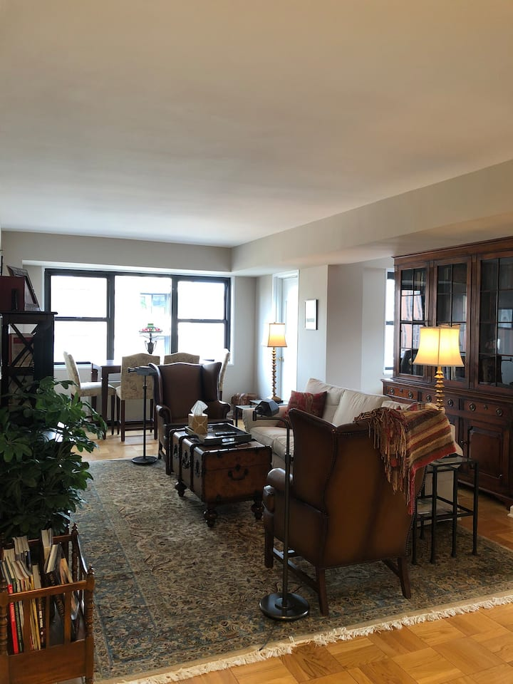 Upper East Side High-Rise Haven - work or play