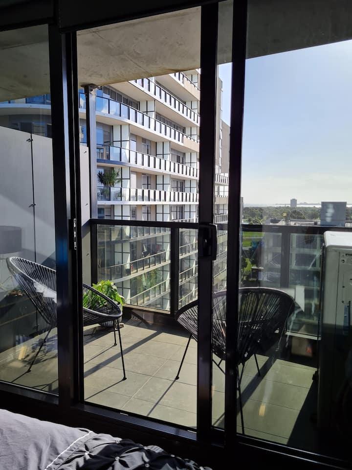 """Luxurious Apartment.  Instaworthy Views."""