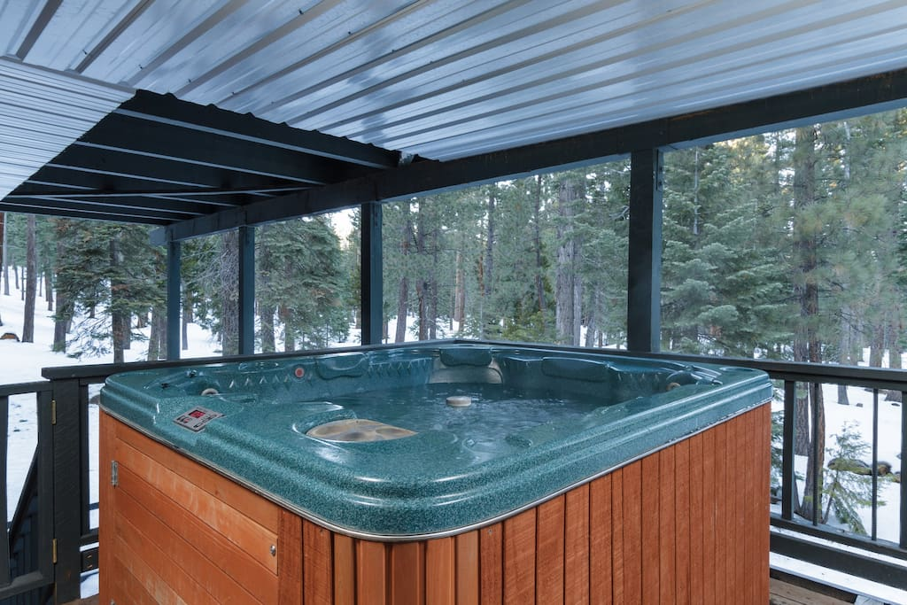 Covered hot tub with new cover, complete privacy.  overlooks Tahoe National Forest.