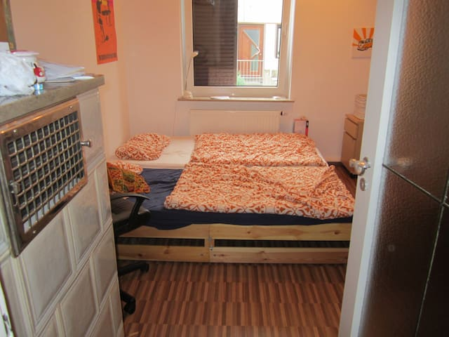 Room with double bed - Oktoberfest - Munich - Pis