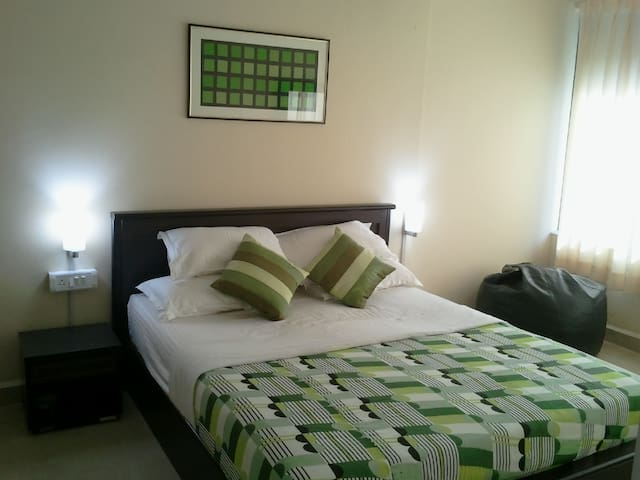 Fully Furnished Single Bedroom Apt
