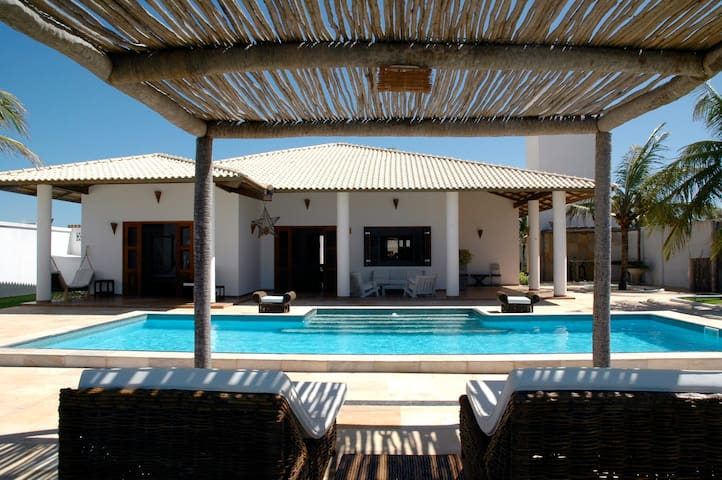 Lua Brisa luxurious beach house, seaview