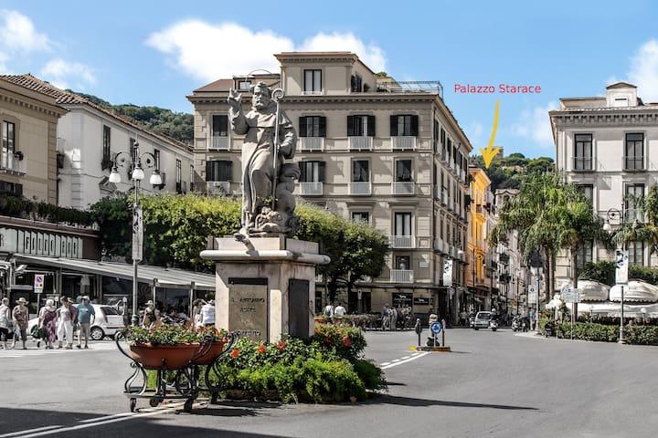 Palazzo Starace en pleno centro